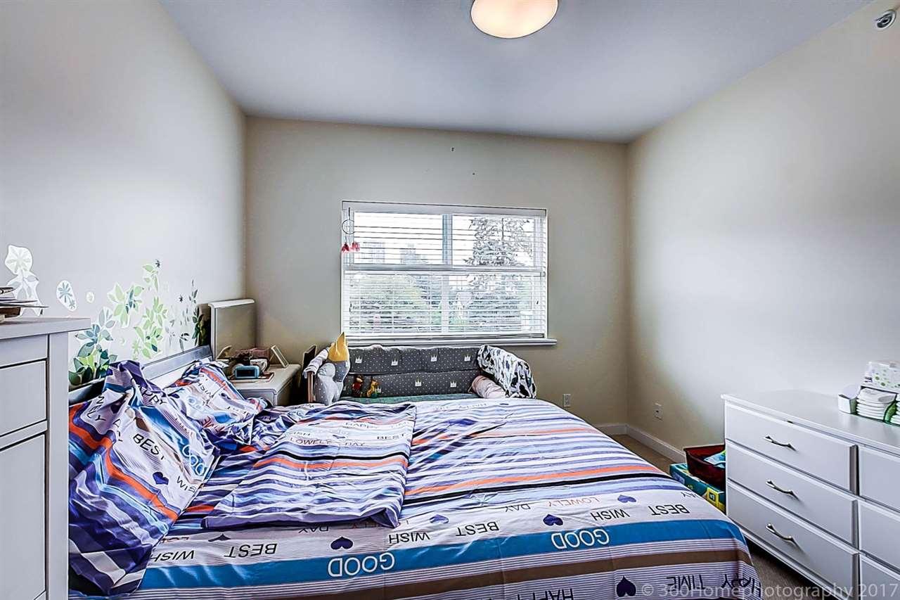 Condo Apartment at 304 5655 INMAN AVENUE, Unit 304, Burnaby South, British Columbia. Image 13