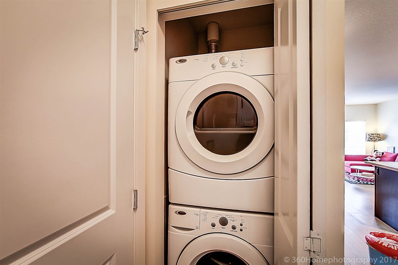 Condo Apartment at 304 5655 INMAN AVENUE, Unit 304, Burnaby South, British Columbia. Image 14