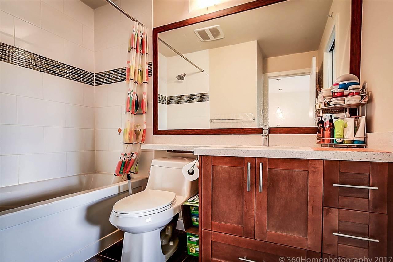 Condo Apartment at 304 5655 INMAN AVENUE, Unit 304, Burnaby South, British Columbia. Image 17