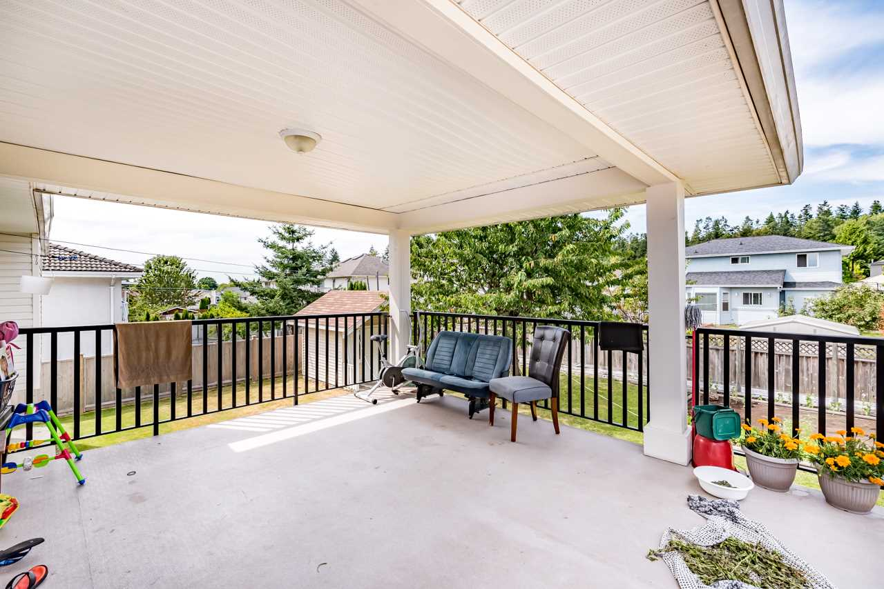 Detached at 14321 90A AVENUE, Surrey, British Columbia. Image 15