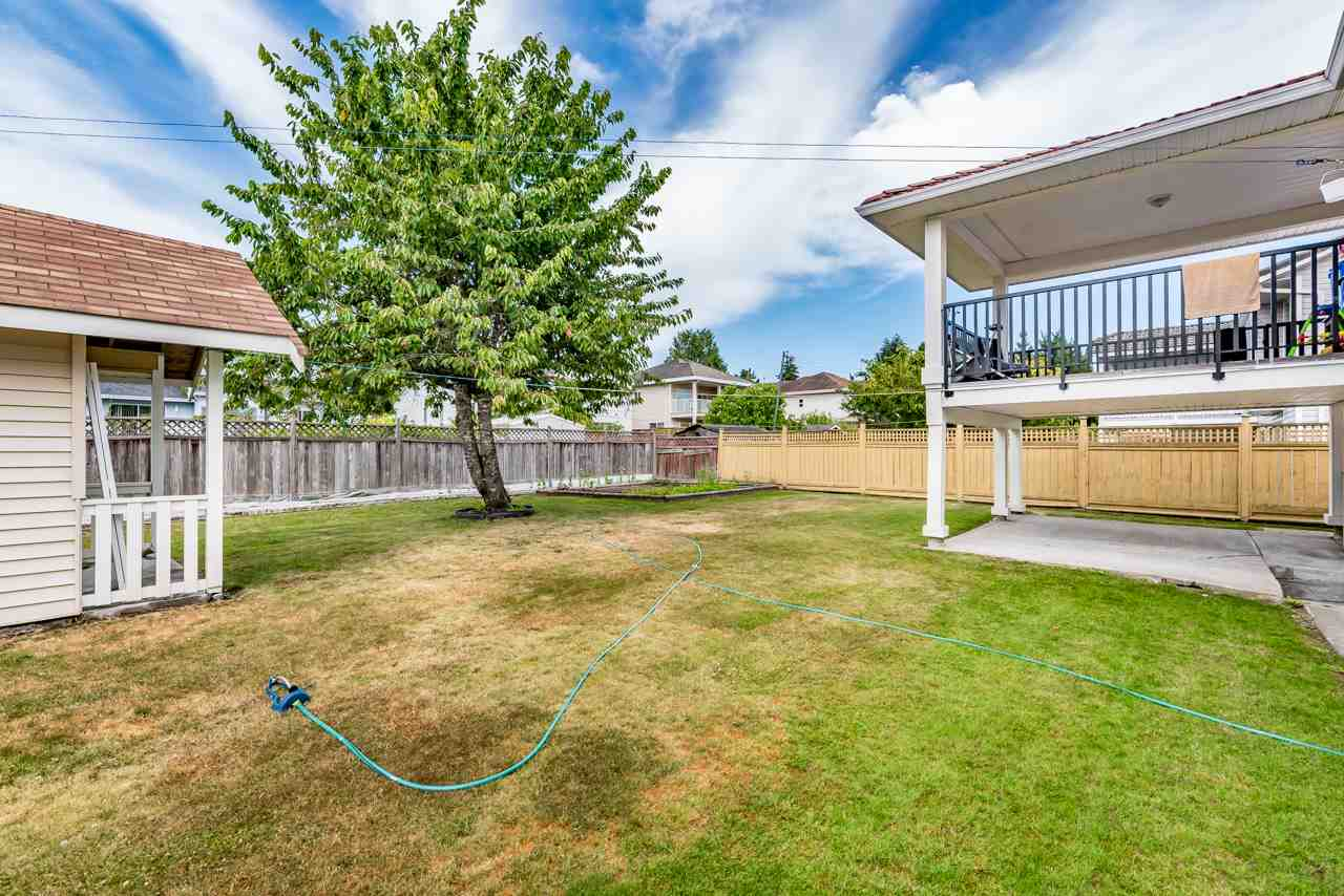 Detached at 14321 90A AVENUE, Surrey, British Columbia. Image 17