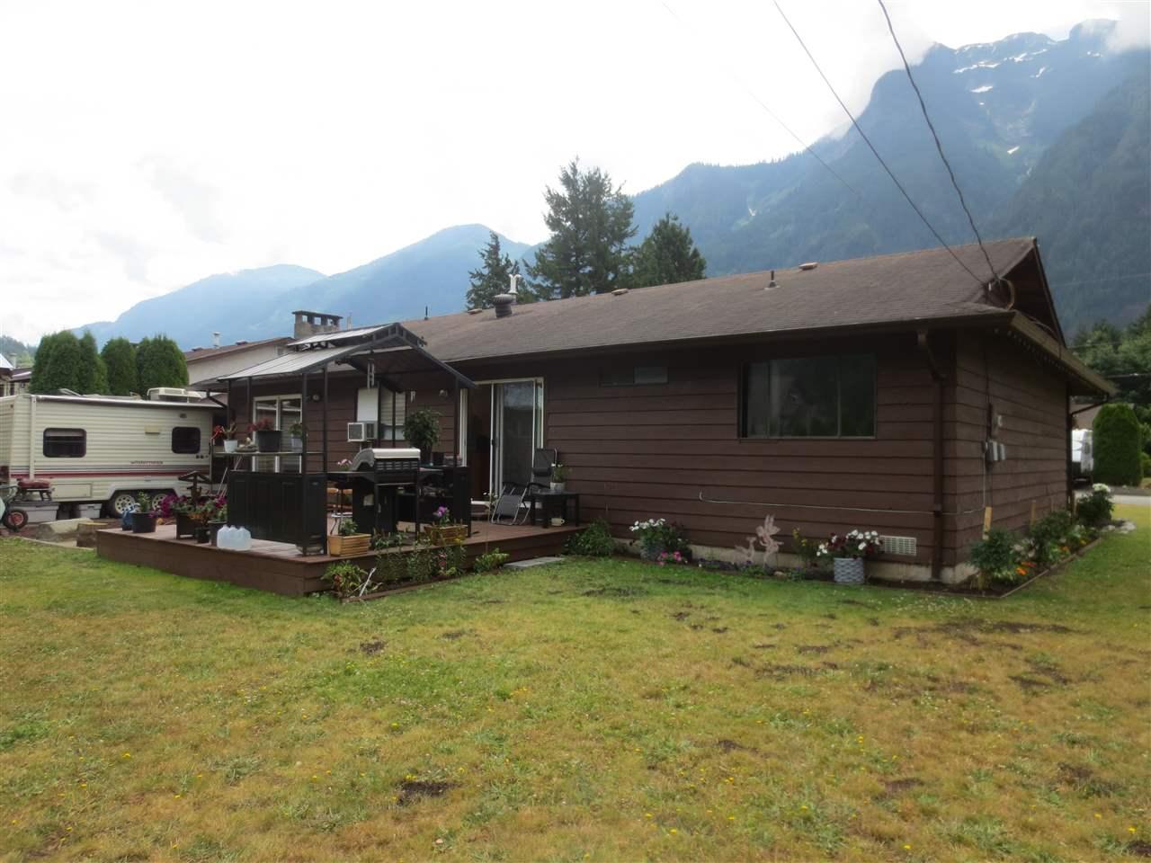 Detached at 65445 SKYLARK DRIVE, Hope, British Columbia. Image 6