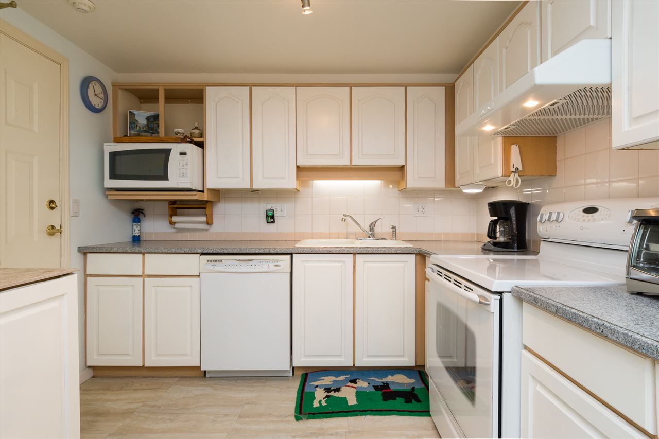 Condo Apartment at 102 15367 BUENA VISTA AVENUE, Unit 102, South Surrey White Rock, British Columbia. Image 12
