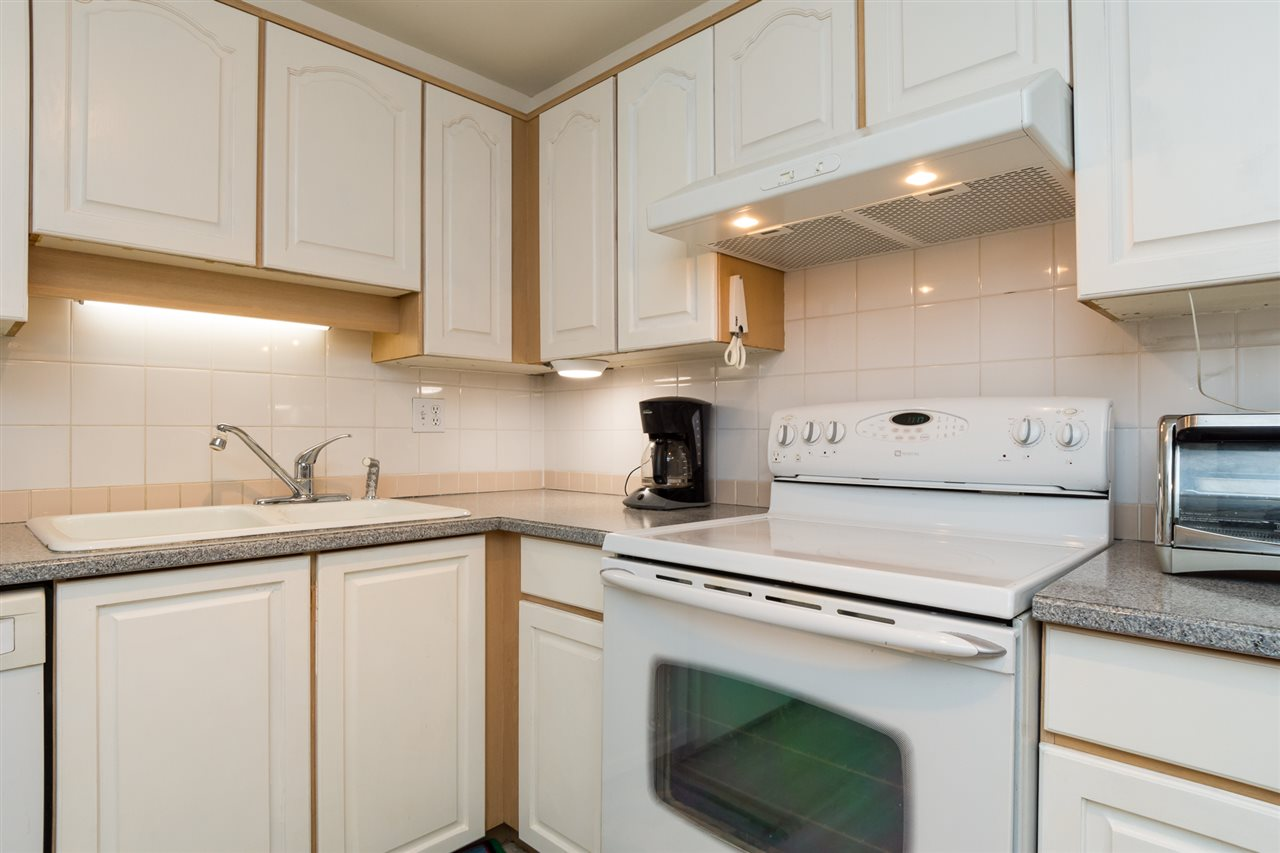 Condo Apartment at 102 15367 BUENA VISTA AVENUE, Unit 102, South Surrey White Rock, British Columbia. Image 13