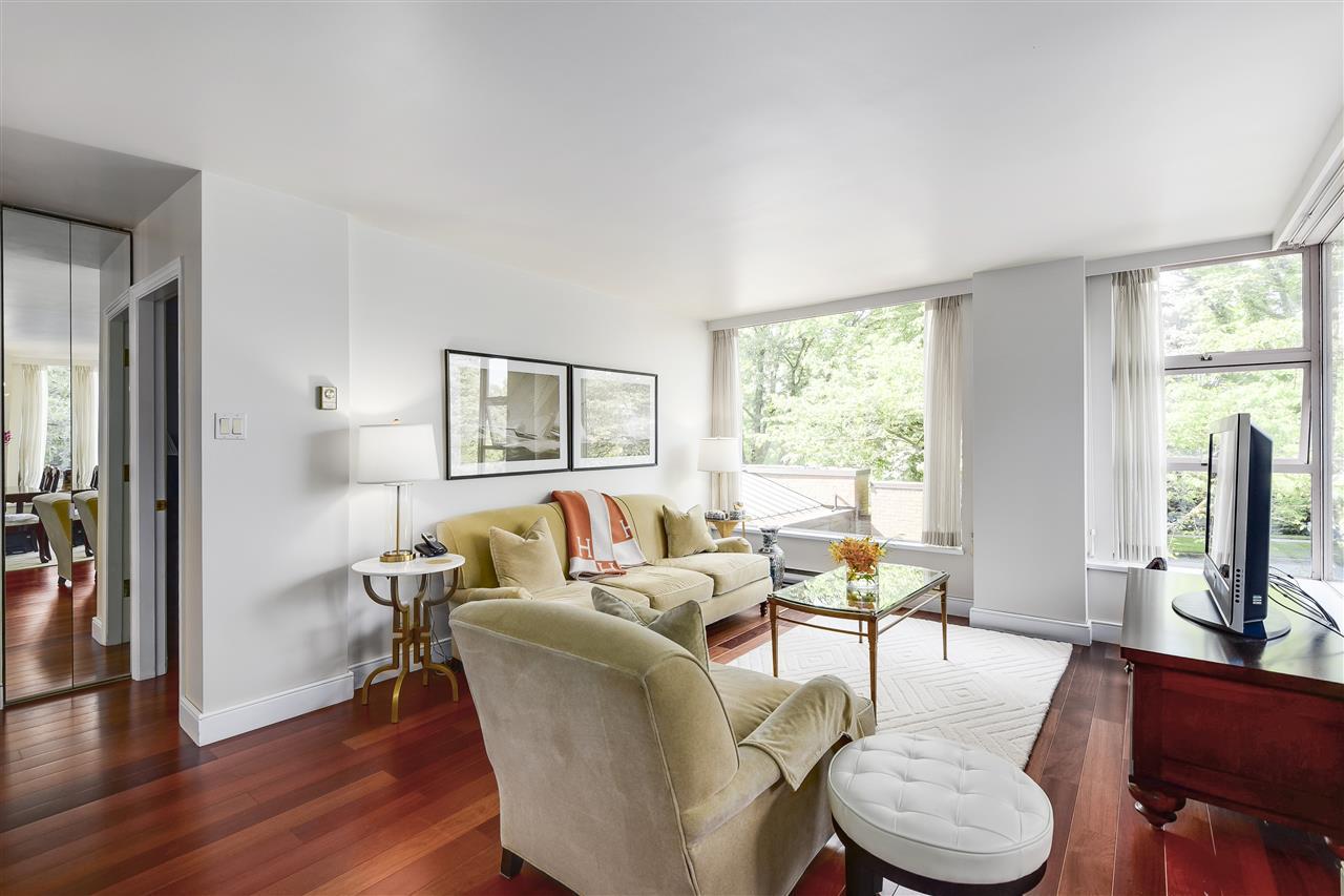 Condo Apartment at 204 2350 W 39TH AVENUE, Unit 204, Vancouver West, British Columbia. Image 4