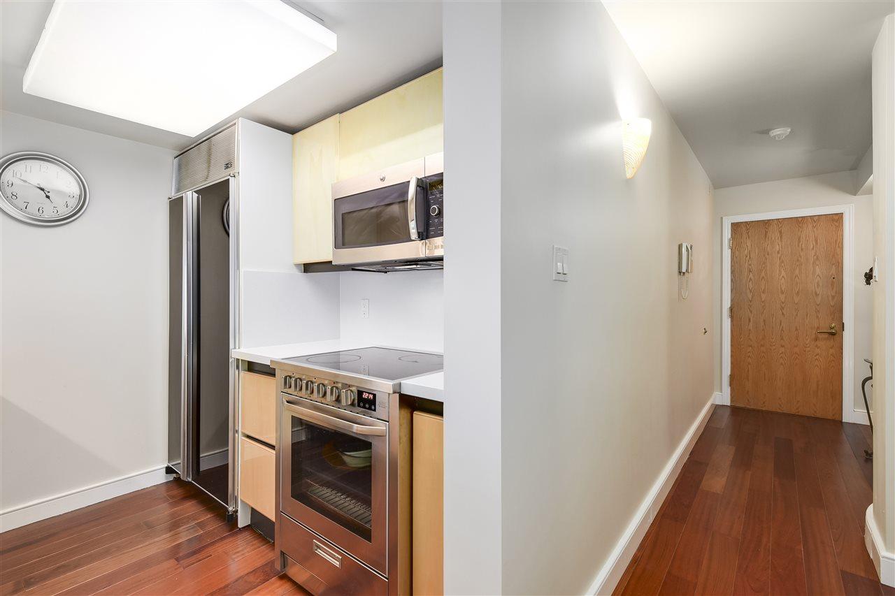 Condo Apartment at 204 2350 W 39TH AVENUE, Unit 204, Vancouver West, British Columbia. Image 7