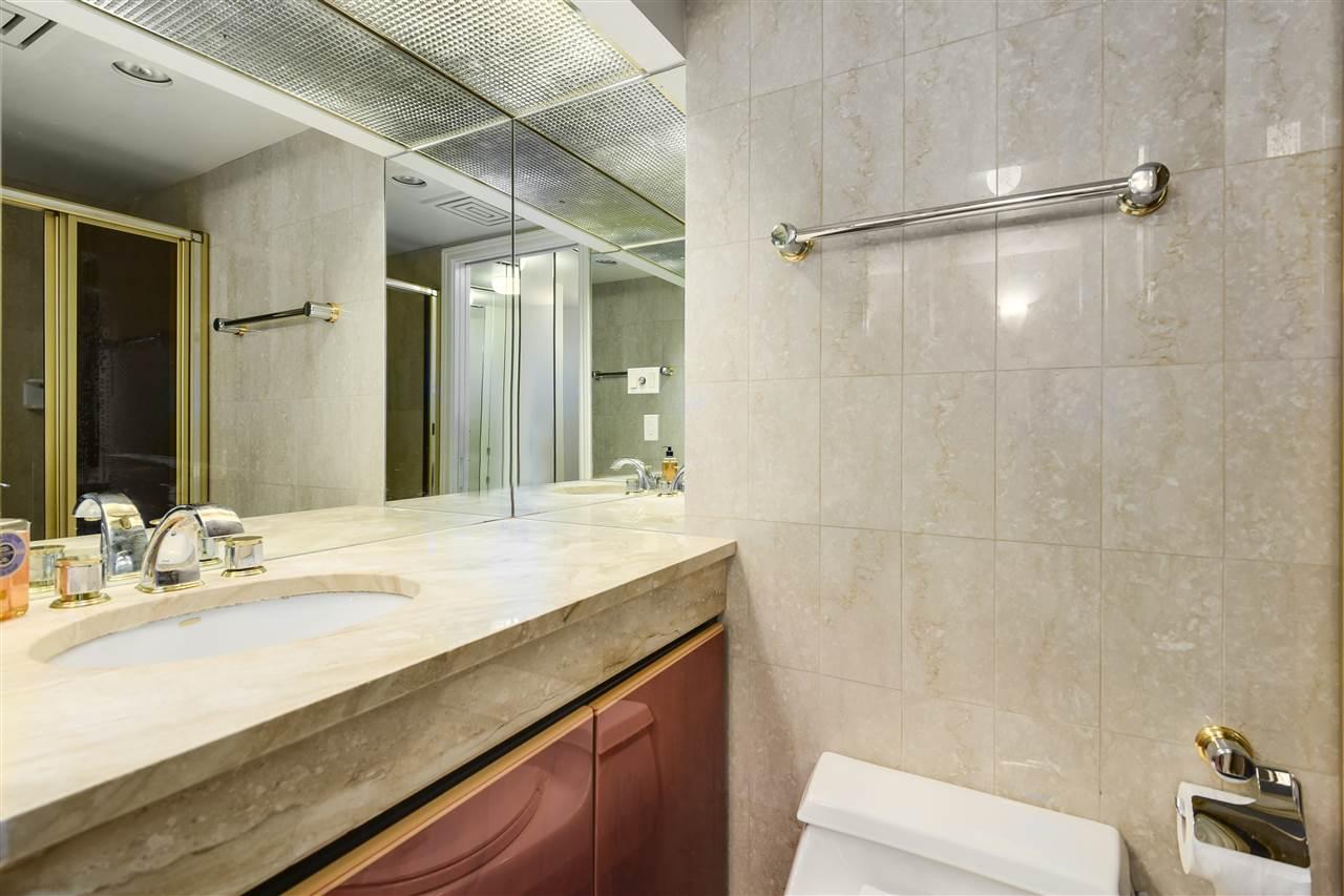 Condo Apartment at 204 2350 W 39TH AVENUE, Unit 204, Vancouver West, British Columbia. Image 11