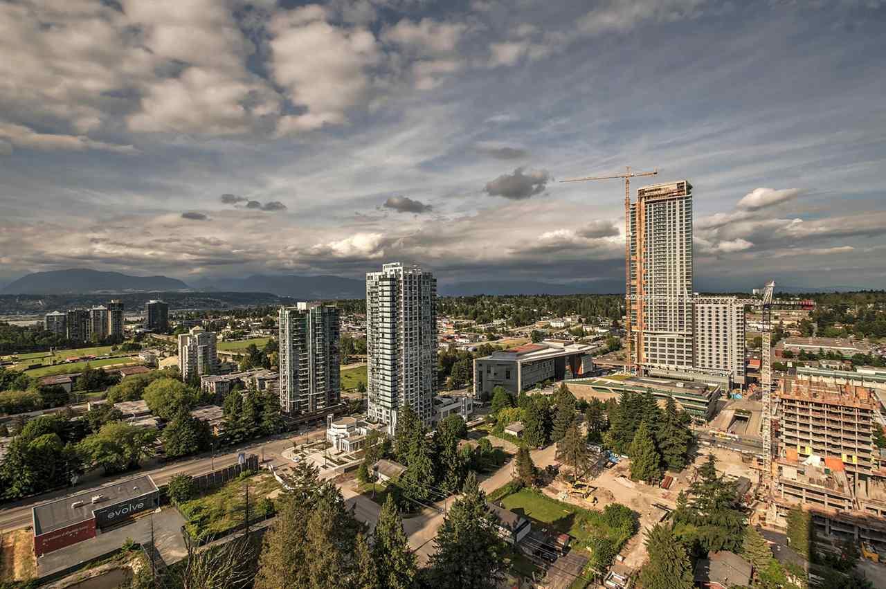 Condo Apartment at 2106 13325 102A AVENUE, Unit 2106, North Surrey, British Columbia. Image 2