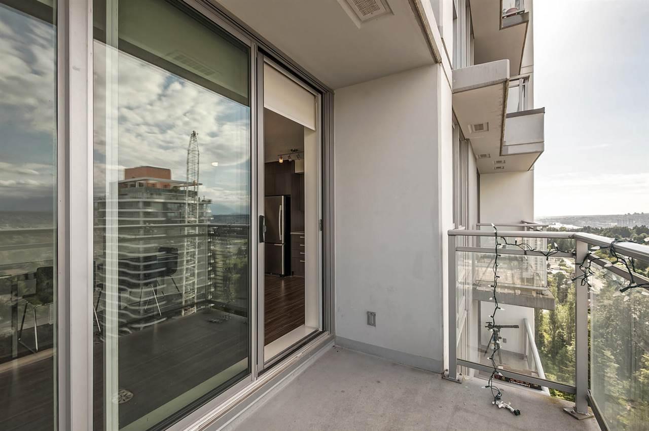 Condo Apartment at 2106 13325 102A AVENUE, Unit 2106, North Surrey, British Columbia. Image 5