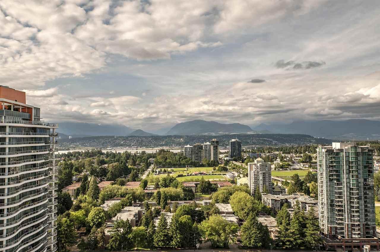 Condo Apartment at 2106 13325 102A AVENUE, Unit 2106, North Surrey, British Columbia. Image 6