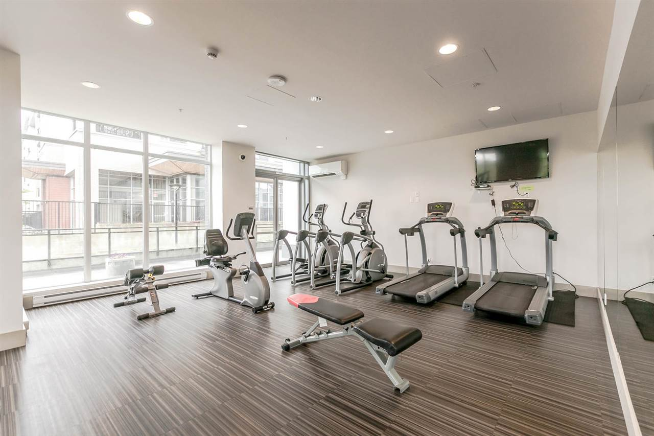 Condo Apartment at 2106 13325 102A AVENUE, Unit 2106, North Surrey, British Columbia. Image 10