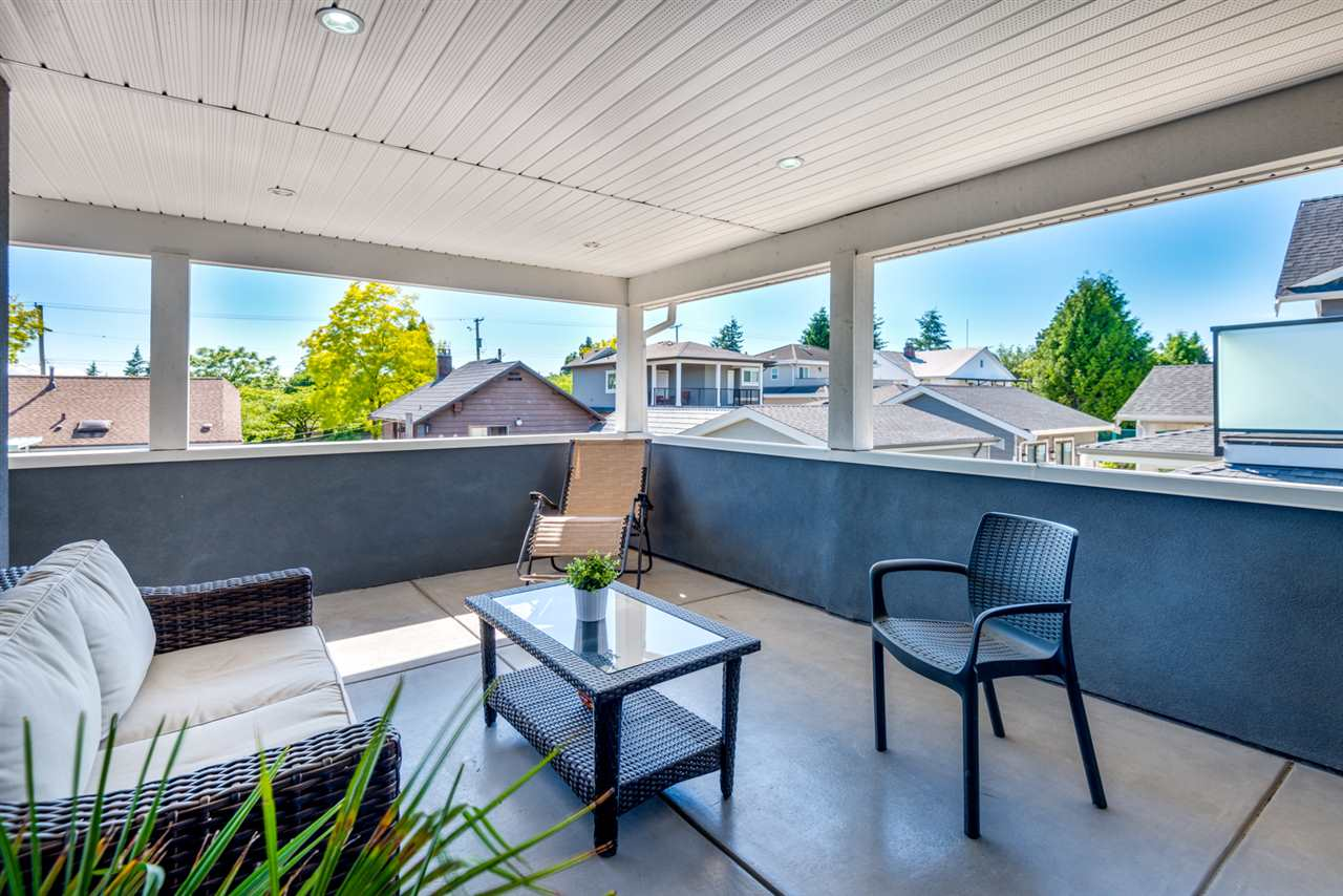 Detached at 908 HILL STREET, New Westminster, British Columbia. Image 17