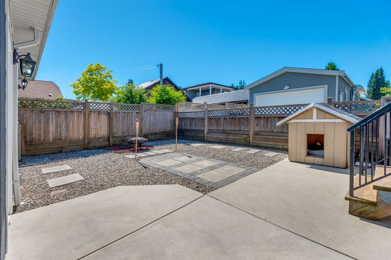 Detached at 908 HILL STREET, New Westminster, British Columbia. Image 19