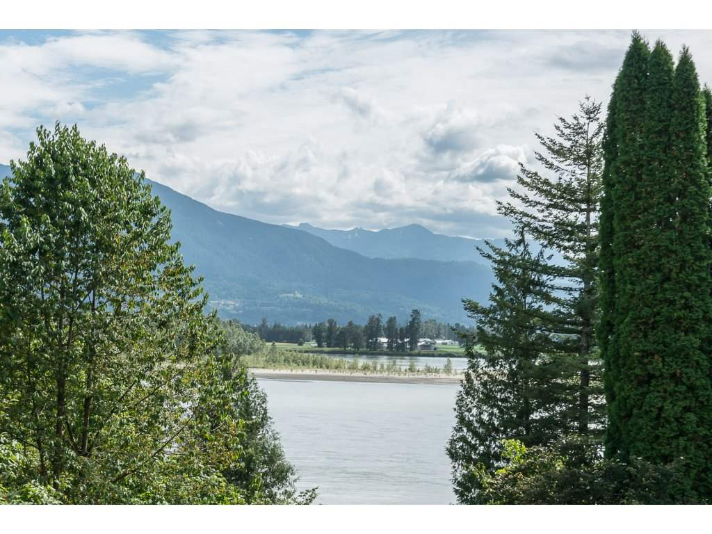 Detached at 5880 CUTLER ROAD, Agassiz, British Columbia. Image 14