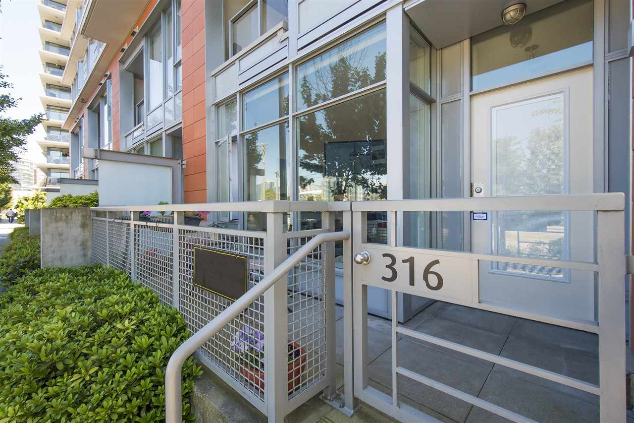 Townhouse at 316 W 1ST AVENUE, Vancouver West, British Columbia. Image 1