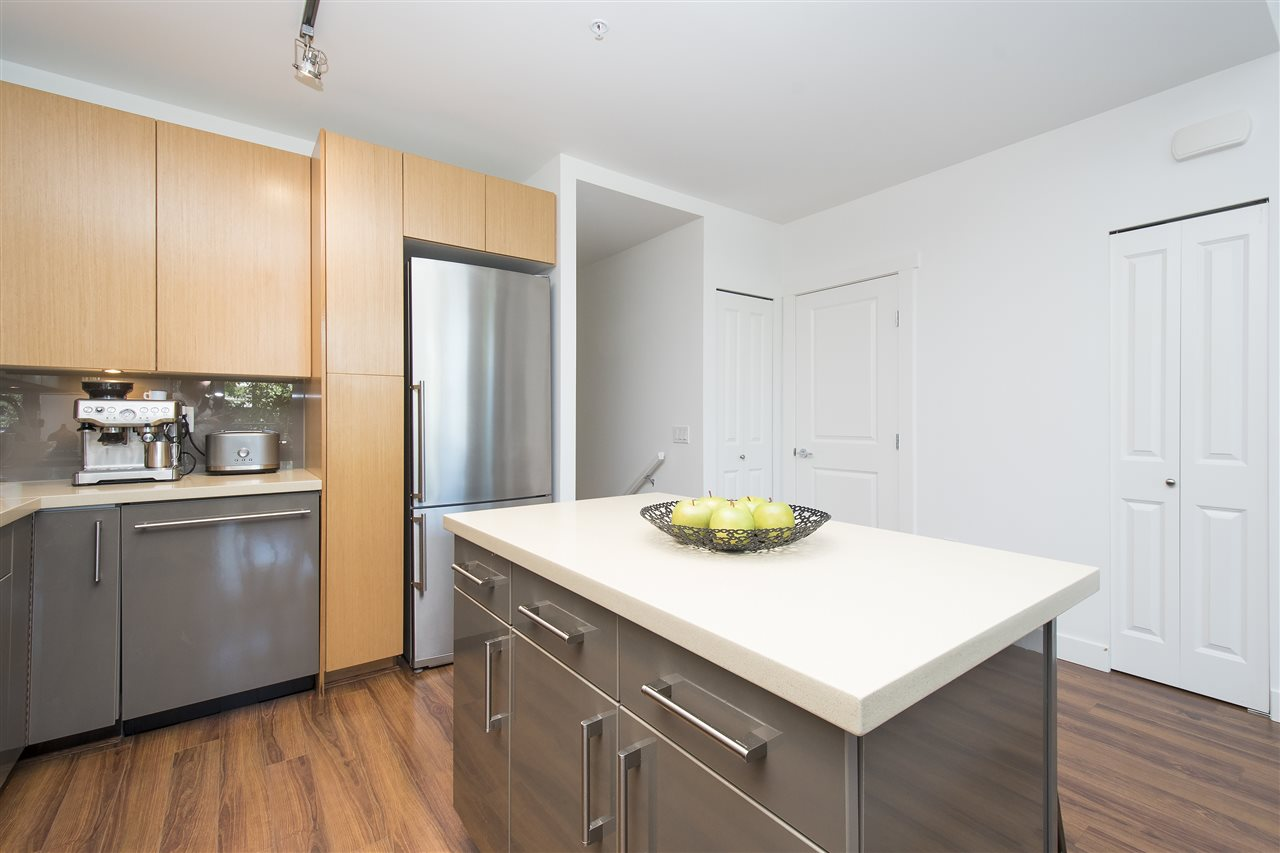 Townhouse at 316 W 1ST AVENUE, Vancouver West, British Columbia. Image 7