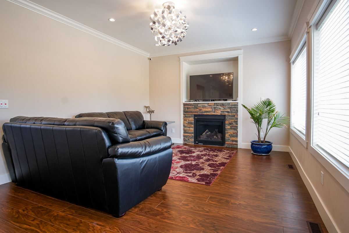Detached at 2552 CABOOSE PLACE, Abbotsford, British Columbia. Image 9