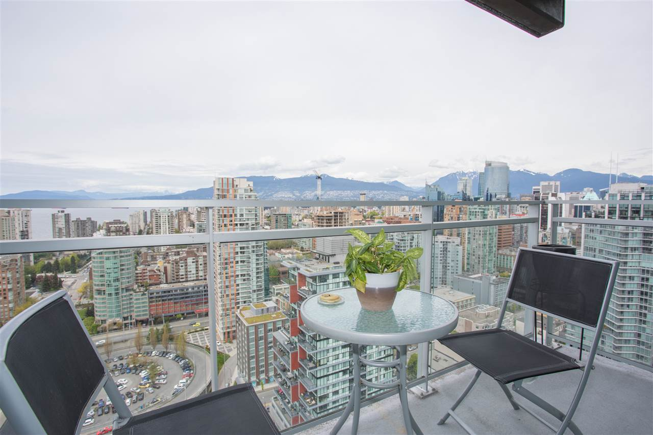 Condo Apartment at 3802 1372 SEYMOUR STREET, Unit 3802, Vancouver West, British Columbia. Image 14