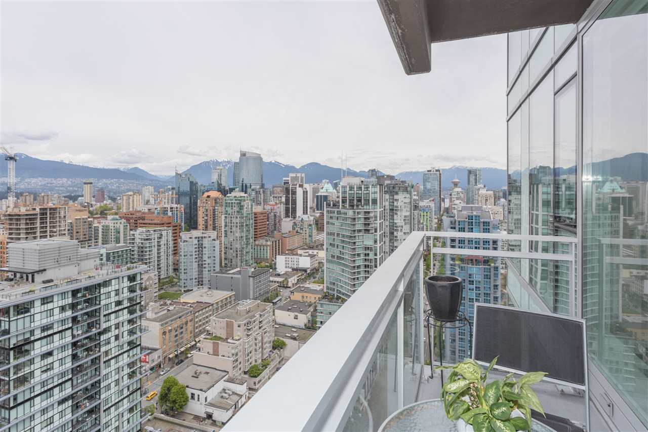 Condo Apartment at 3802 1372 SEYMOUR STREET, Unit 3802, Vancouver West, British Columbia. Image 15