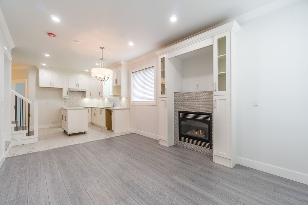 Half-duplex at 7415 WILLARD STREET, Burnaby South, British Columbia. Image 3