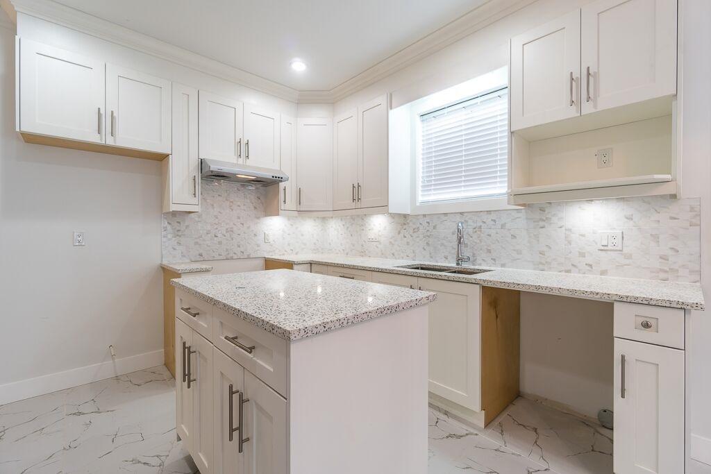 Half-duplex at 7415 WILLARD STREET, Burnaby South, British Columbia. Image 5