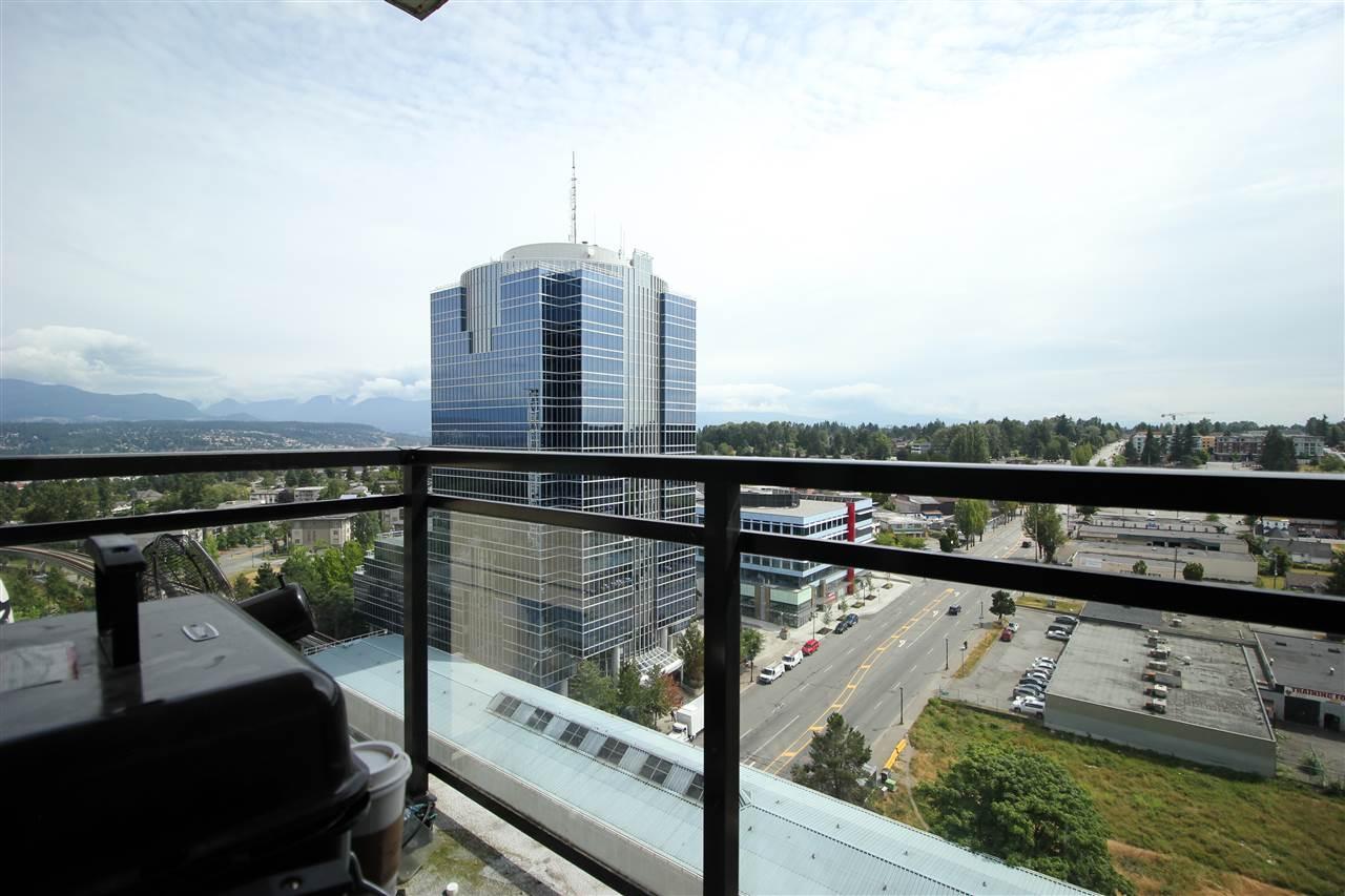 Condo Apartment at 1610 10777 UNIVERSITY DRIVE, Unit 1610, North Surrey, British Columbia. Image 3