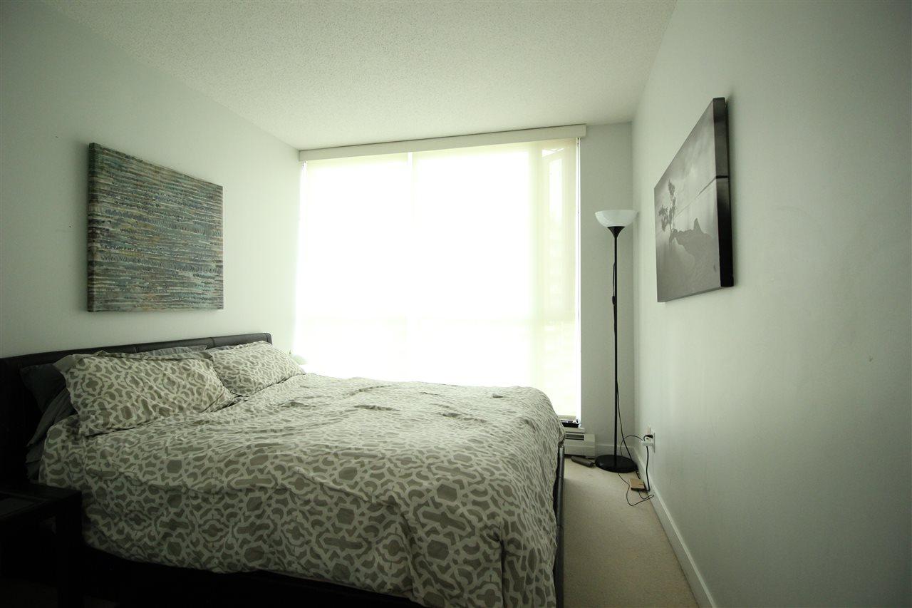 Condo Apartment at 1610 10777 UNIVERSITY DRIVE, Unit 1610, North Surrey, British Columbia. Image 6