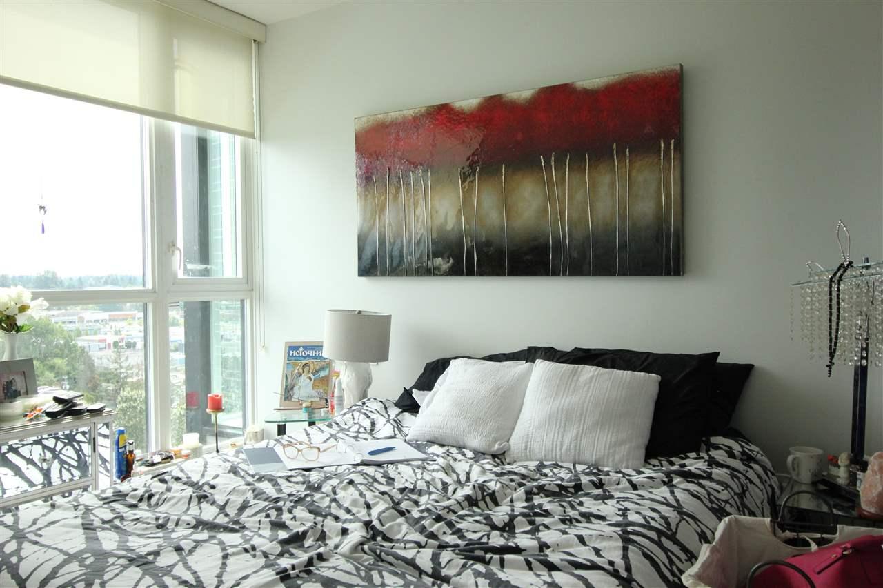 Condo Apartment at 1610 10777 UNIVERSITY DRIVE, Unit 1610, North Surrey, British Columbia. Image 8