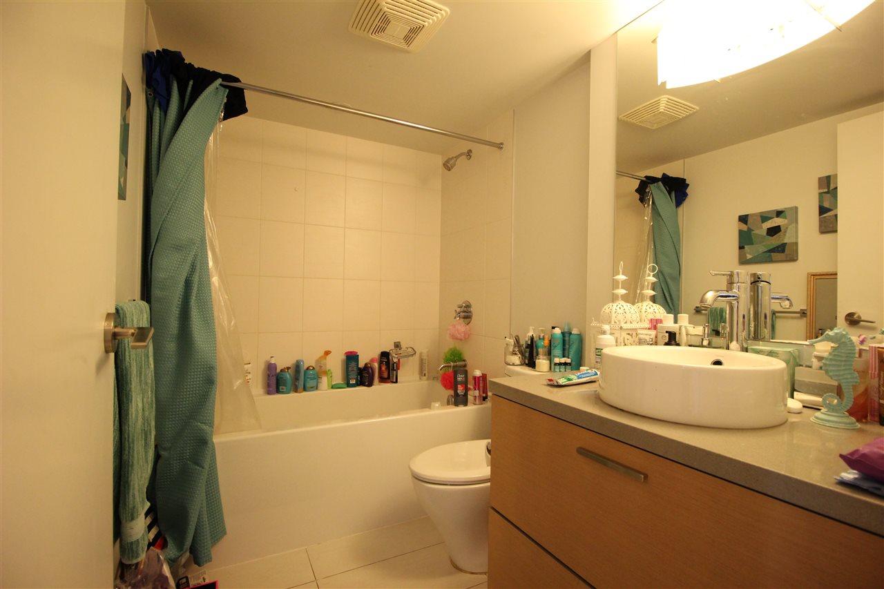 Condo Apartment at 1610 10777 UNIVERSITY DRIVE, Unit 1610, North Surrey, British Columbia. Image 9