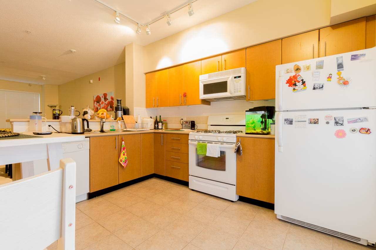Townhouse at 5 3298 E 54TH AVENUE, Unit 5, Vancouver East, British Columbia. Image 2
