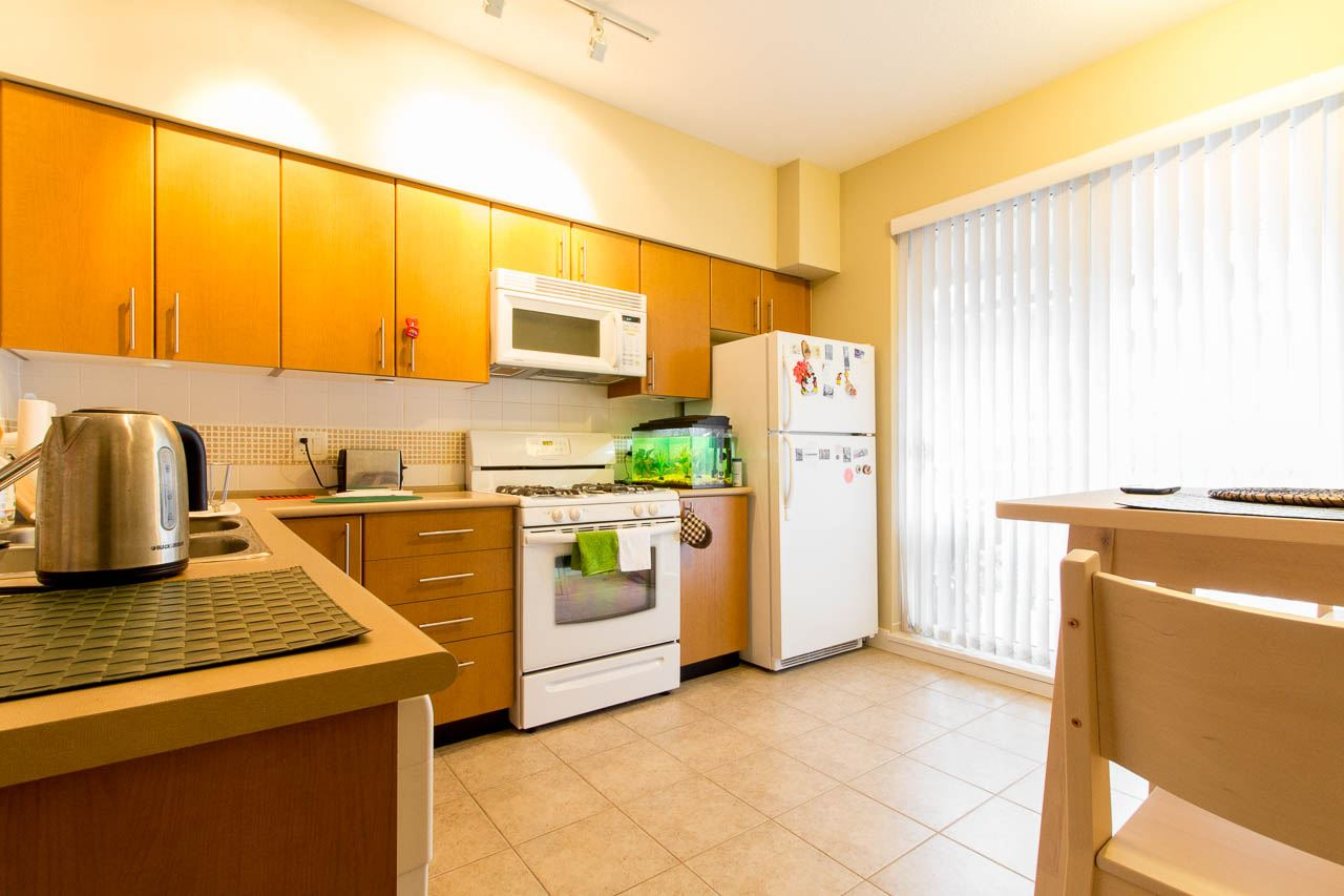 Townhouse at 5 3298 E 54TH AVENUE, Unit 5, Vancouver East, British Columbia. Image 3