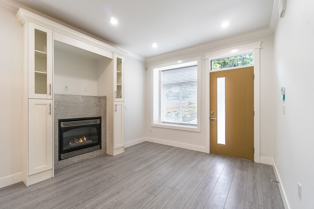 Half-duplex at 7417 WILLARD STREET, Burnaby South, British Columbia. Image 2