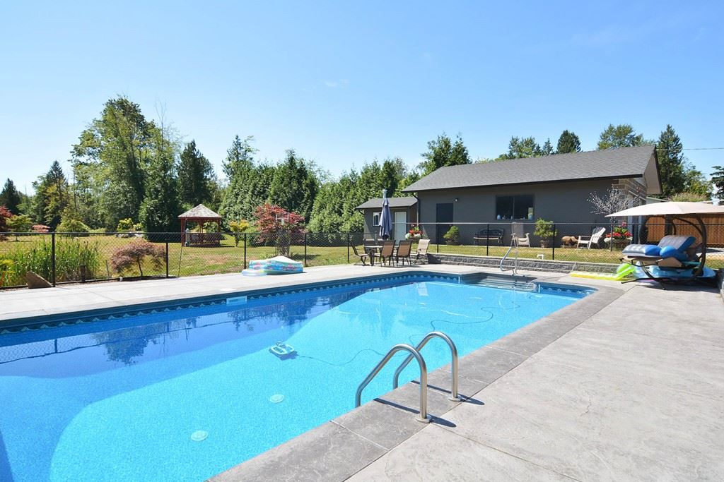 Detached at 26568 62 AVENUE, Langley, British Columbia. Image 10