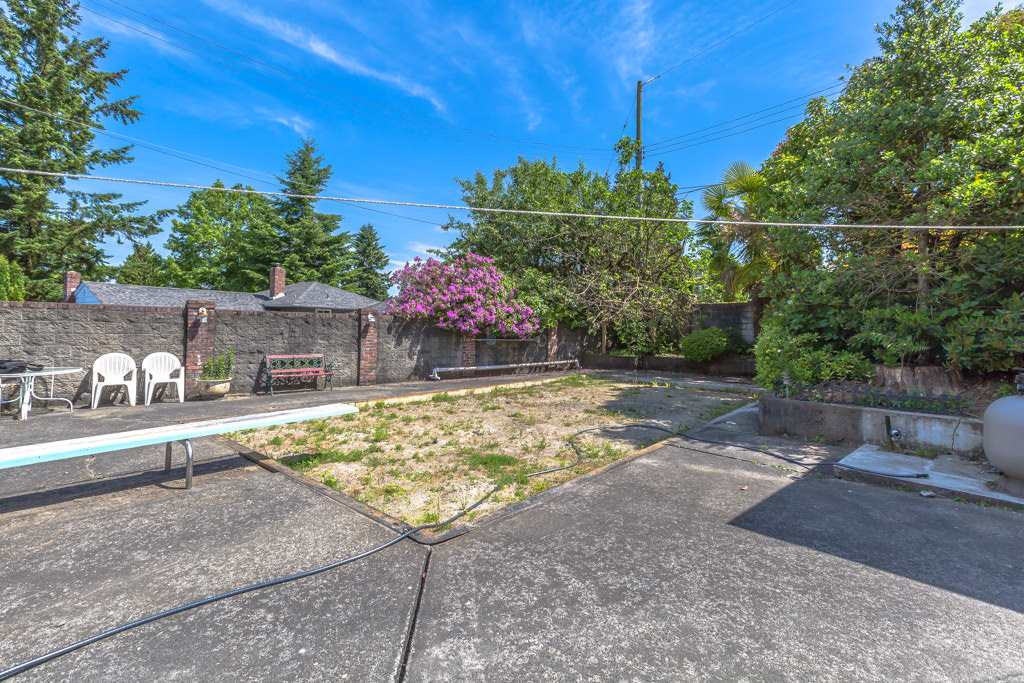 Detached at 6062 EMPRESS AVENUE, Burnaby South, British Columbia. Image 17