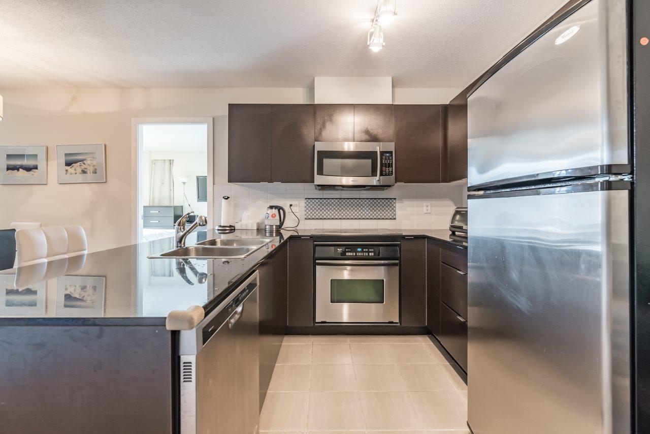 Condo Apartment at 302 4118 DAWSON STREET, Unit 302, Burnaby North, British Columbia. Image 3