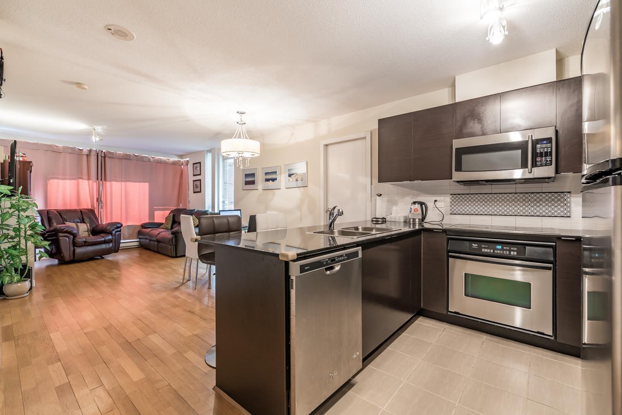 Condo Apartment at 302 4118 DAWSON STREET, Unit 302, Burnaby North, British Columbia. Image 4