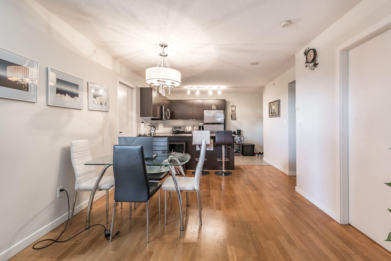 Condo Apartment at 302 4118 DAWSON STREET, Unit 302, Burnaby North, British Columbia. Image 5