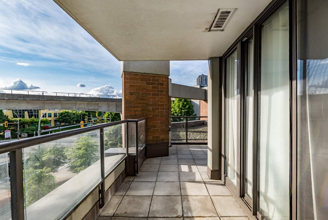 Condo Apartment at 302 4118 DAWSON STREET, Unit 302, Burnaby North, British Columbia. Image 10
