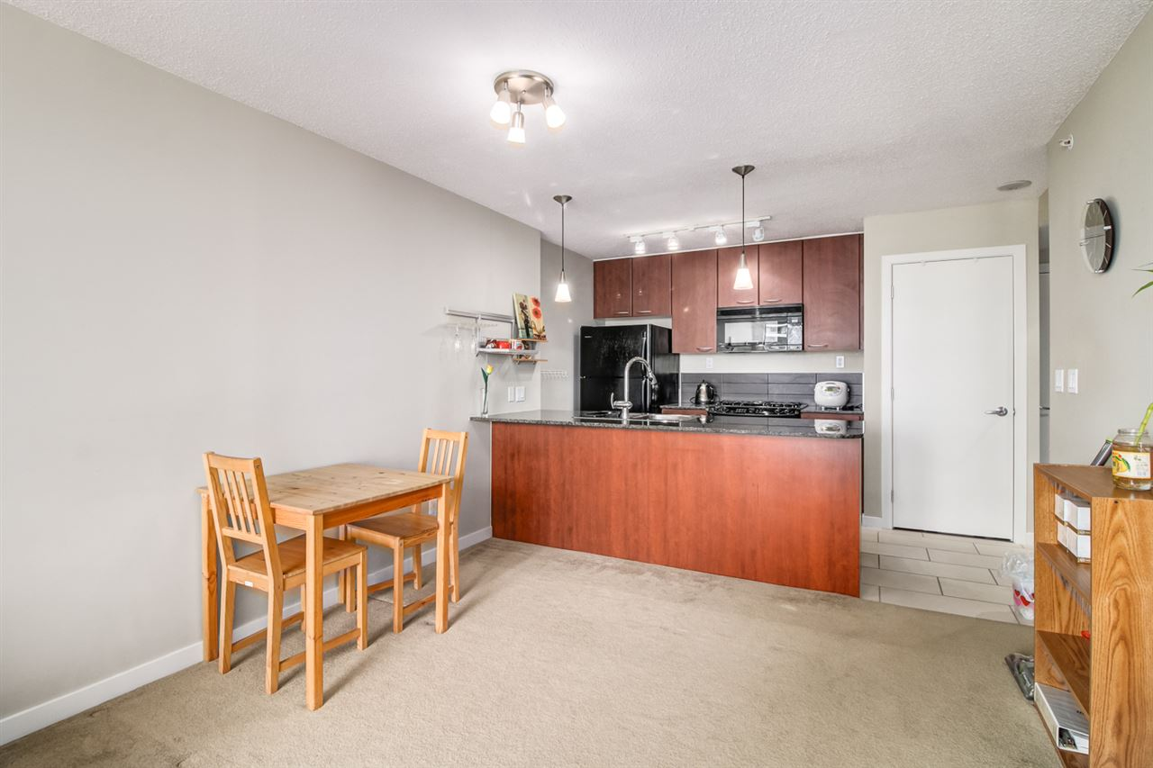 Condo Apartment at 1108 7108 COLLIER STREET, Unit 1108, Burnaby South, British Columbia. Image 6