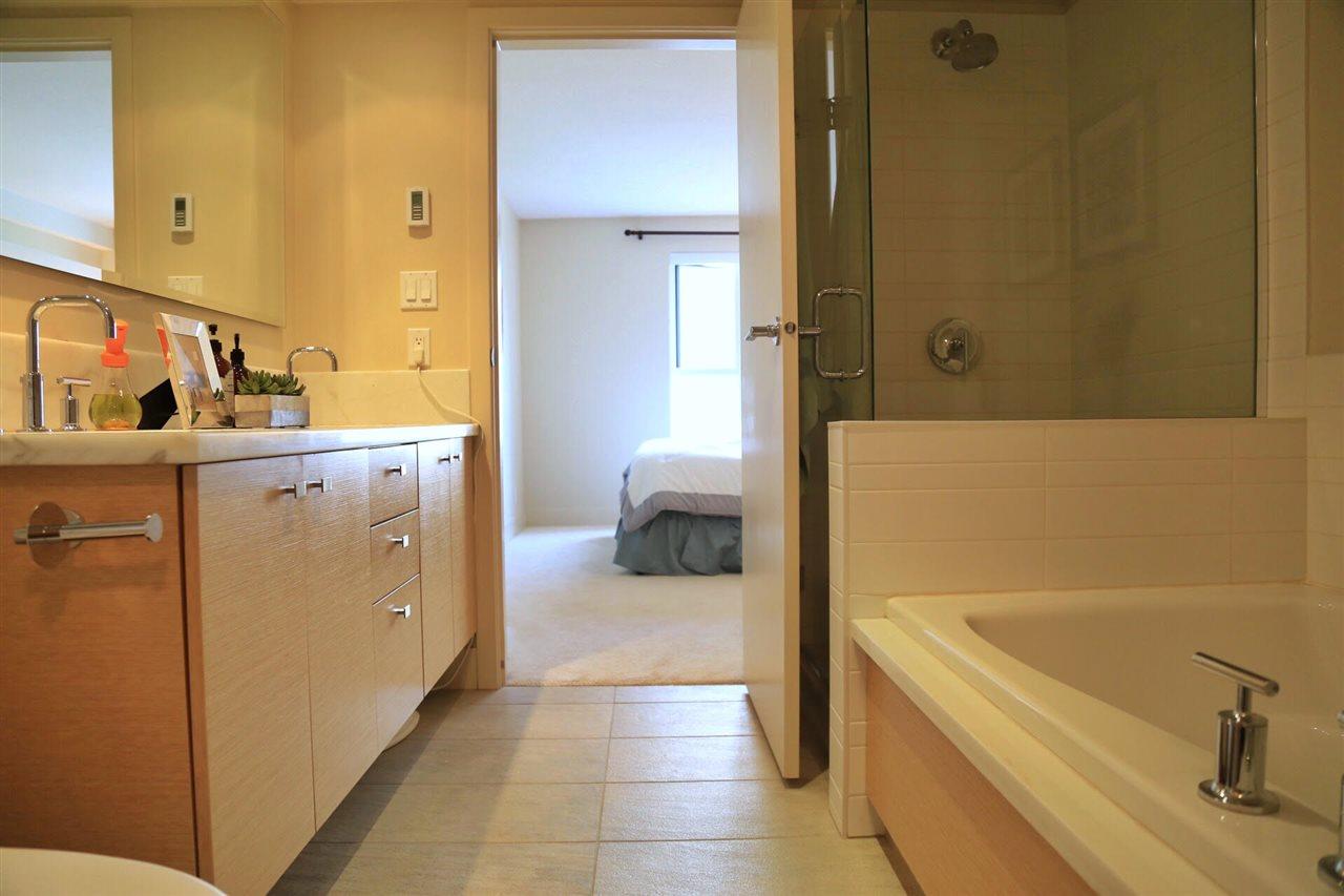 Condo Apartment at 402 6018 IONA DRIVE, Unit 402, Vancouver West, British Columbia. Image 7