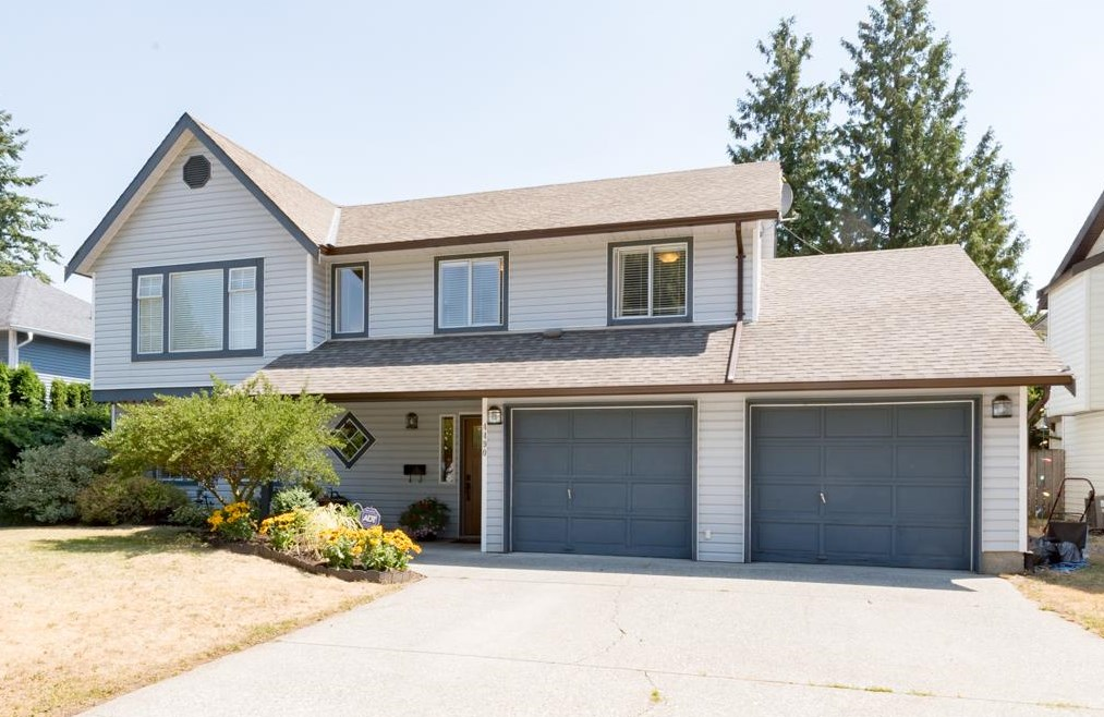 Detached at 4490 207A STREET, Langley, British Columbia. Image 1