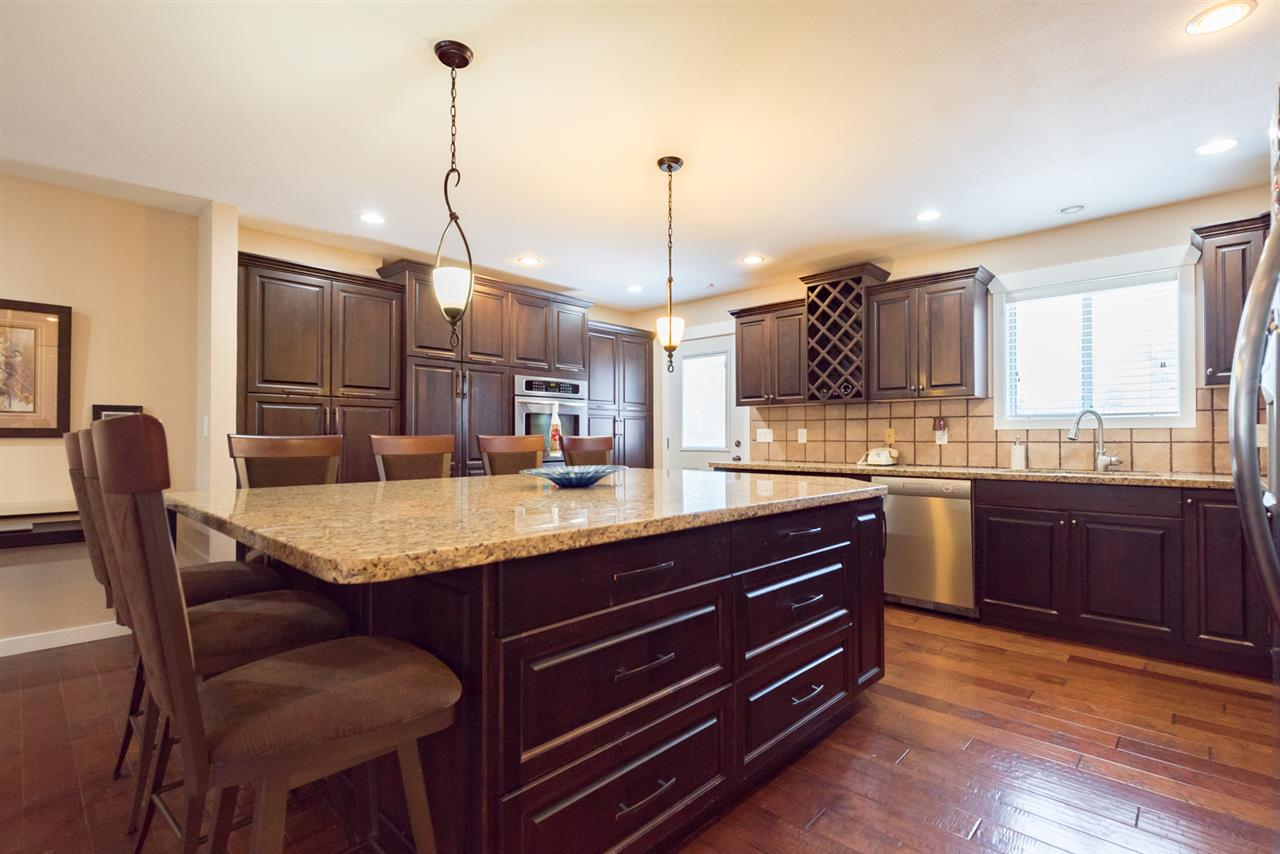 Detached at 4490 207A STREET, Langley, British Columbia. Image 6