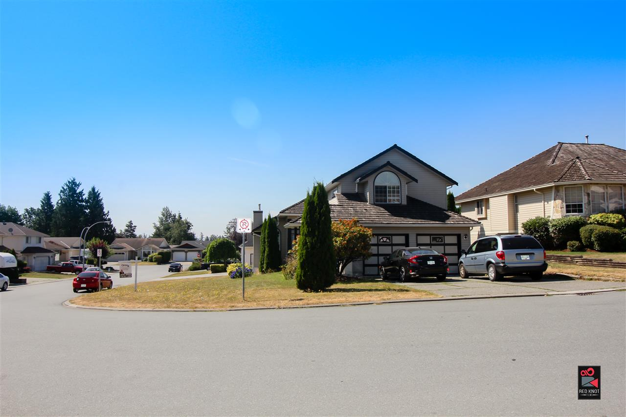 Detached at 31146 SIDONI AVENUE, Abbotsford, British Columbia. Image 1