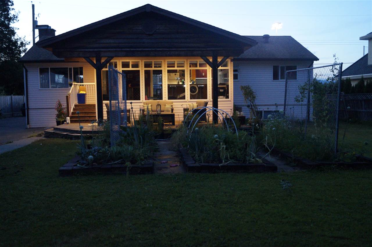 Detached at 14636 102A AVENUE, North Surrey, British Columbia. Image 1