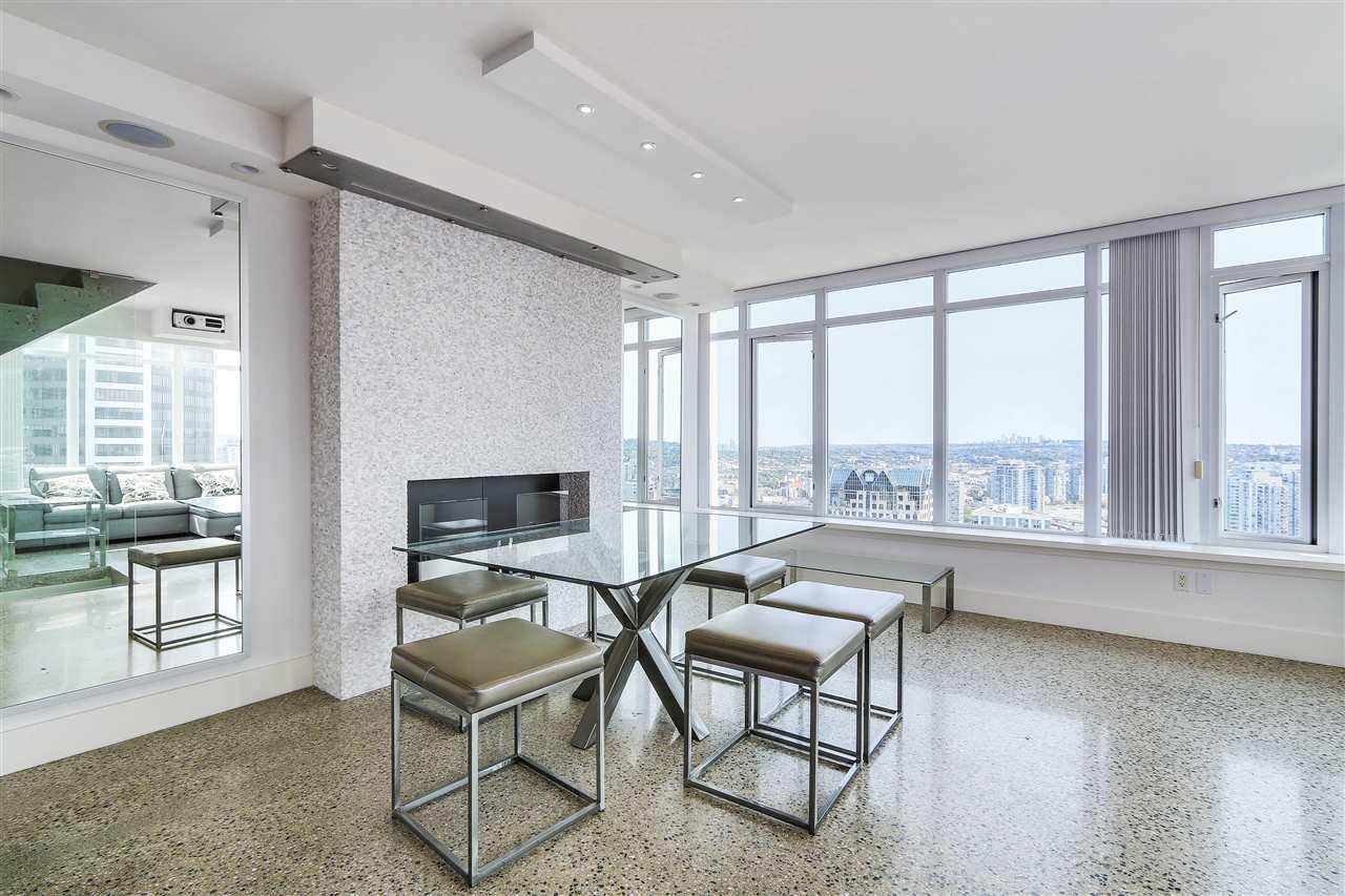 Condo Apartment at 3210 610 GRANVILLE STREET, Unit 3210, Vancouver West, British Columbia. Image 4