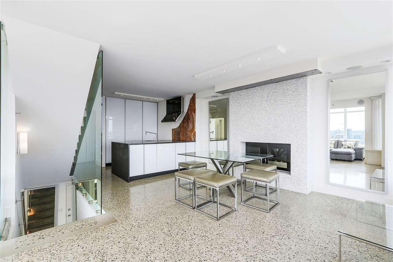 Condo Apartment at 3210 610 GRANVILLE STREET, Unit 3210, Vancouver West, British Columbia. Image 7