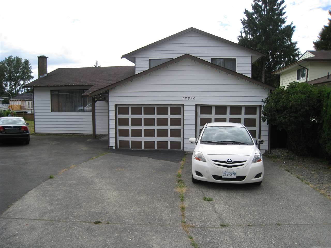 Detached at 12830 104A AVENUE, North Surrey, British Columbia. Image 2