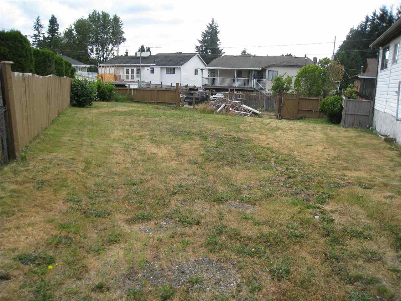 Detached at 12830 104A AVENUE, North Surrey, British Columbia. Image 17