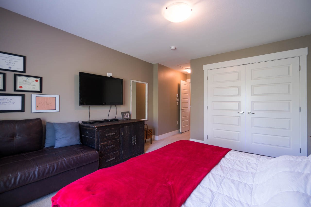 Townhouse at 80 19525 73 AVENUE, Unit 80, Cloverdale, British Columbia. Image 11