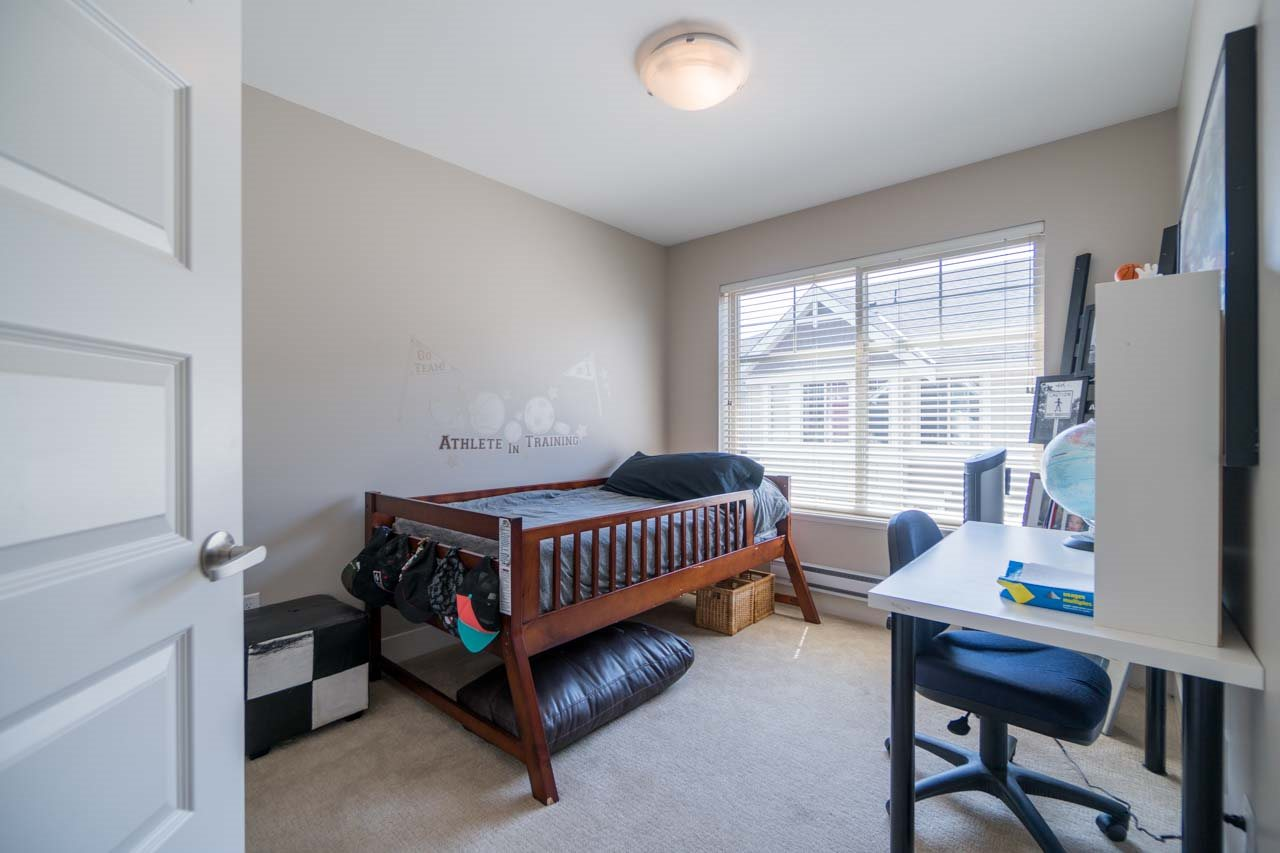 Townhouse at 80 19525 73 AVENUE, Unit 80, Cloverdale, British Columbia. Image 15
